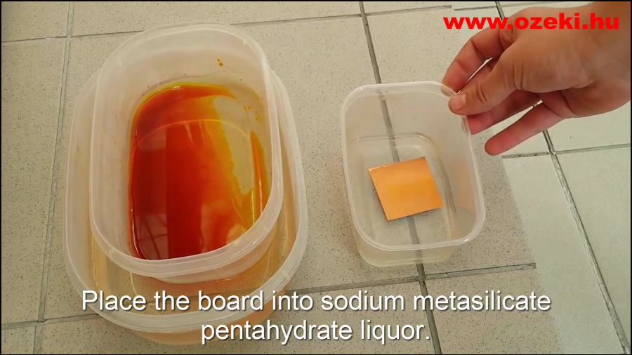 Shaking your board in sodium metasilicate pentahydrate